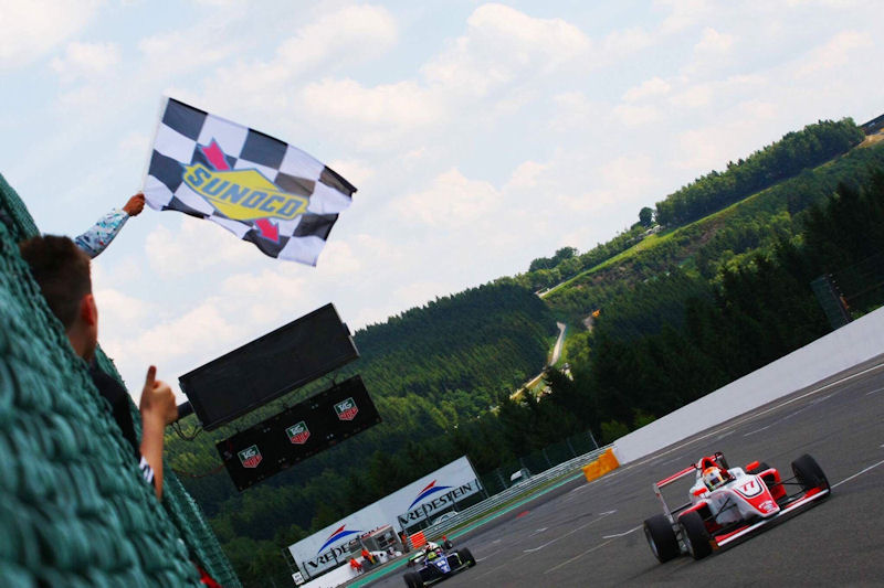 Hingeley Claims Dramatic Victory at Spa Francorchamps